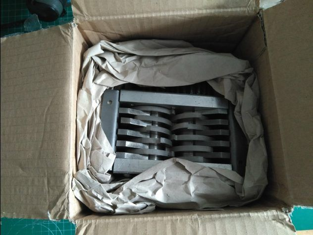 Minishredder en su paquete
