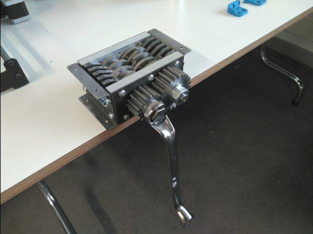 Minishredder con su palanca